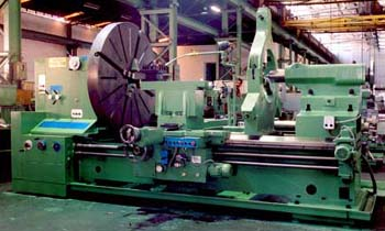 Heavy Duty Lathe with Large Bore Spindle HDL 70/2000